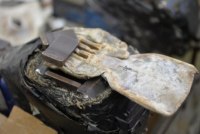ברזל היוצר חריצים לתפילין מהודרות
